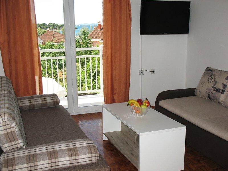 Sea view apartment Niksa Petrcane A3 (4+1), holiday rental in Petrcane