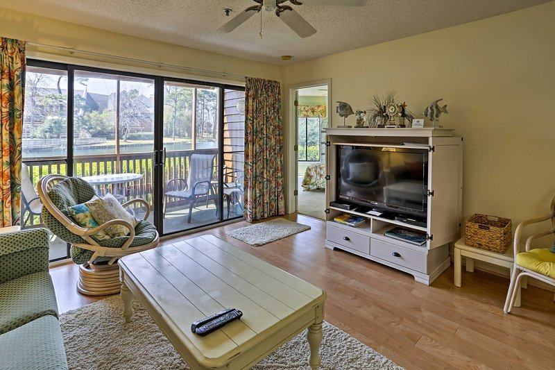 Explore Myrtle Beach from this great 2-bedroom, 2-bath vacation rental condo!