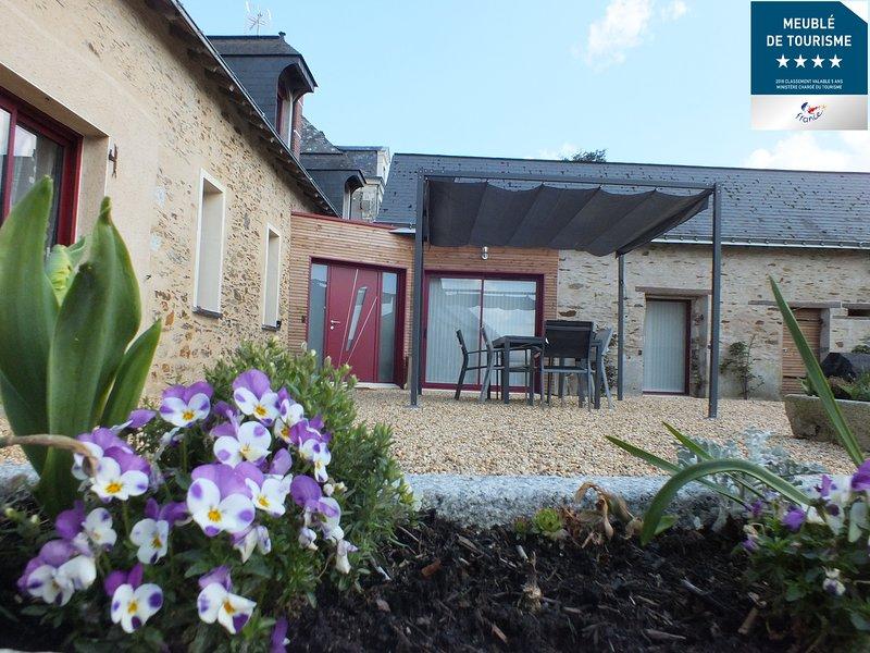 Gite 'La Pinstrie' - Maison de vacances avec piscine 6-10 personnes, holiday rental in Thorigne d'Anjou