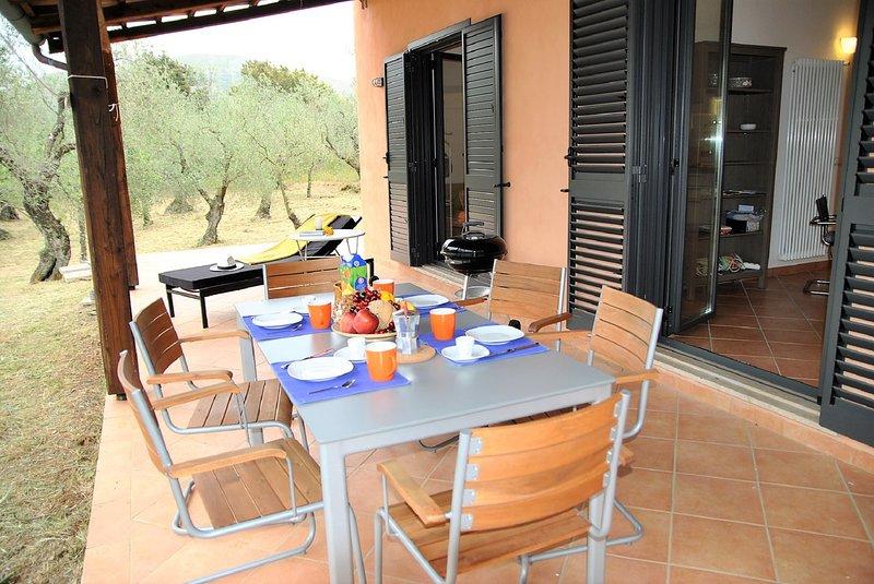 Villa Mirabella immersa nel verde, location de vacances à Itri