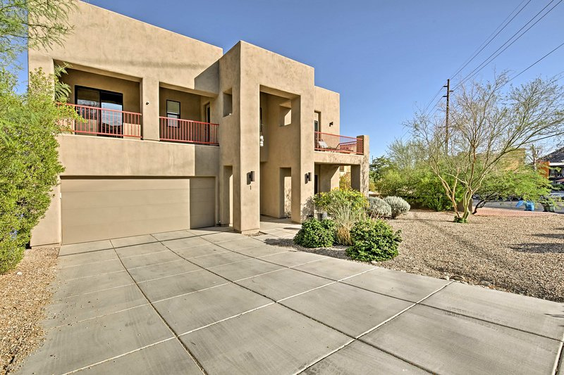 This home is just 10 miles from downtown Phoenix.