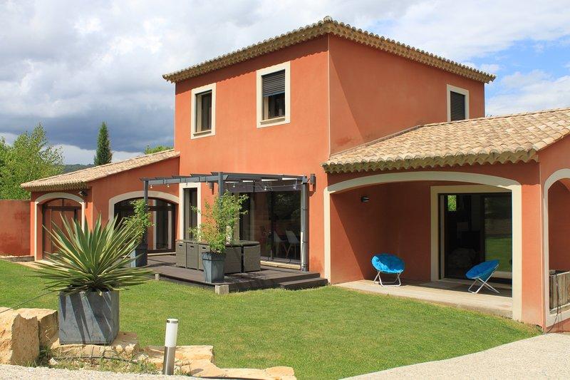 Villa de provence à Vaison-la-Romaine (Vaucluse) avec piscine privative chauffée, location de vacances à Entrechaux