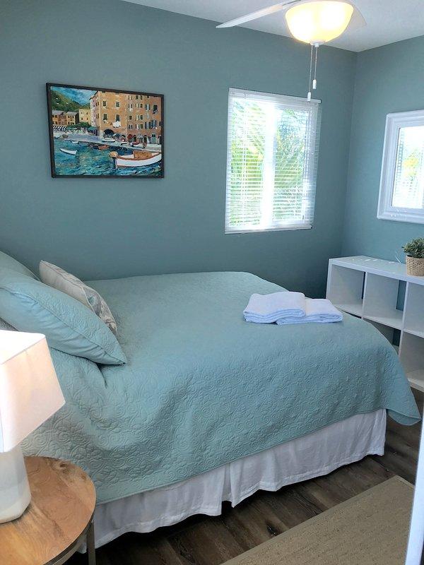 3rd bedroom - queen bed