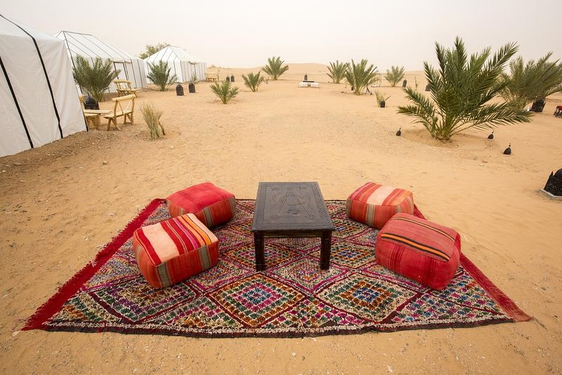 Sahara Sky Luxury Camp (Tented Camp 7), vacation rental in Hassilabied