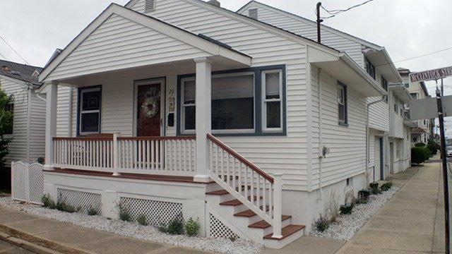 FIRST BEACH BLOCK - 3 BEDROOM w/ garage (Parking), Walk to Beach & Main Street, alquiler de vacaciones en Ocean Grove