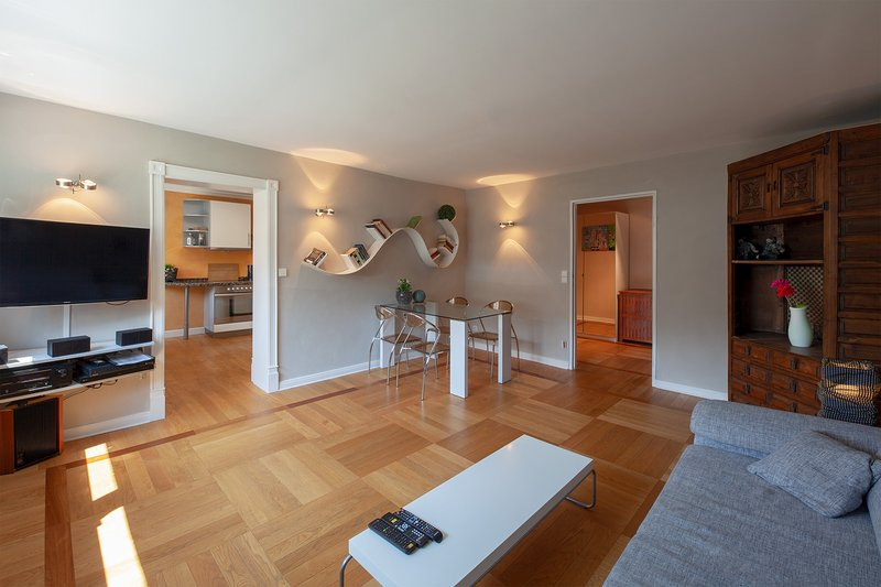 Design-Apartment zentral in Berlin-Charlottenburg, Ferienwohnung in Hennigsdorf
