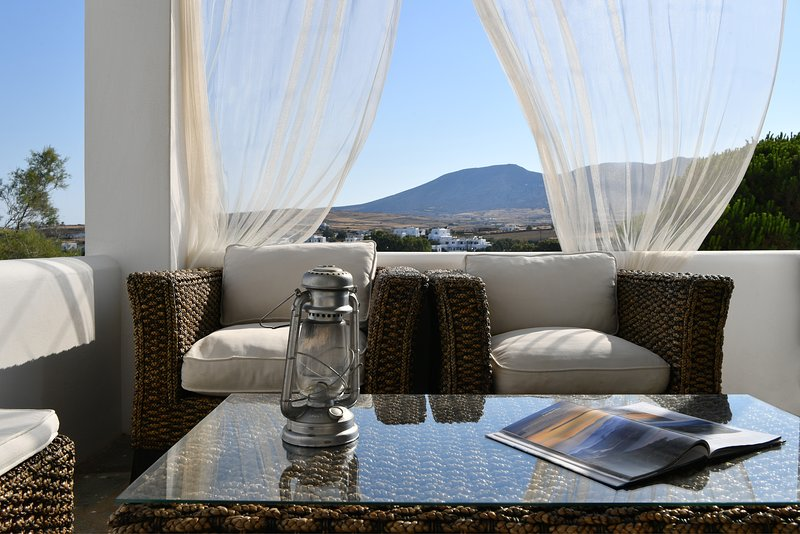 Ifestos cozy home with mountain view, vacation rental in Logaras