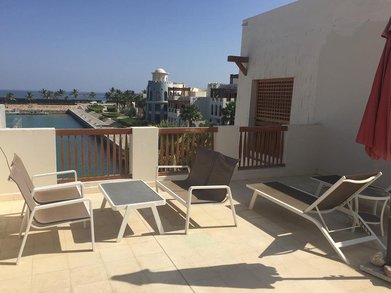 Le Sifah Resort Apartments (Deluxe One Bedroom Apartment -  Penthouse), vakantiewoning in Gouvernement Masqat