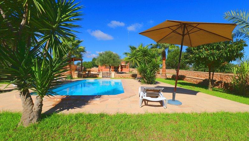Finca Linda, wifi free, private pool, Ferienwohnung in Campos