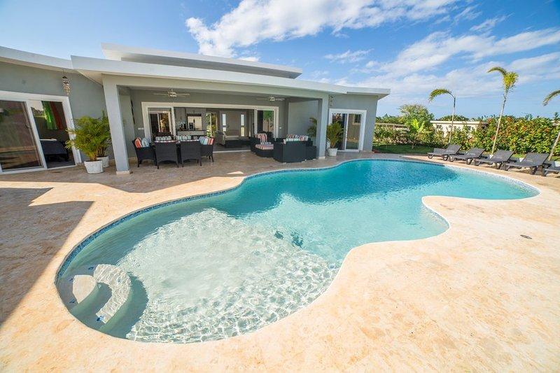 CASA COCO-PINA a une taille plus 3 piscine de niveau