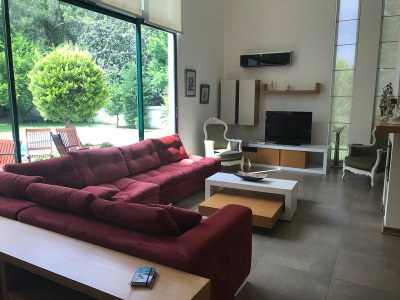 Villa Diva    İzole ama şehrin içinde bir yaşam, holiday rental in Antalya