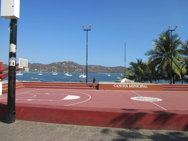 'la cancha' basketball court in the plaza