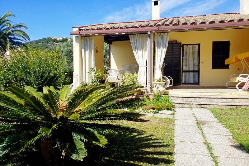 Villino 37 a pochi passi dal mare, vacation rental in Costa Rei