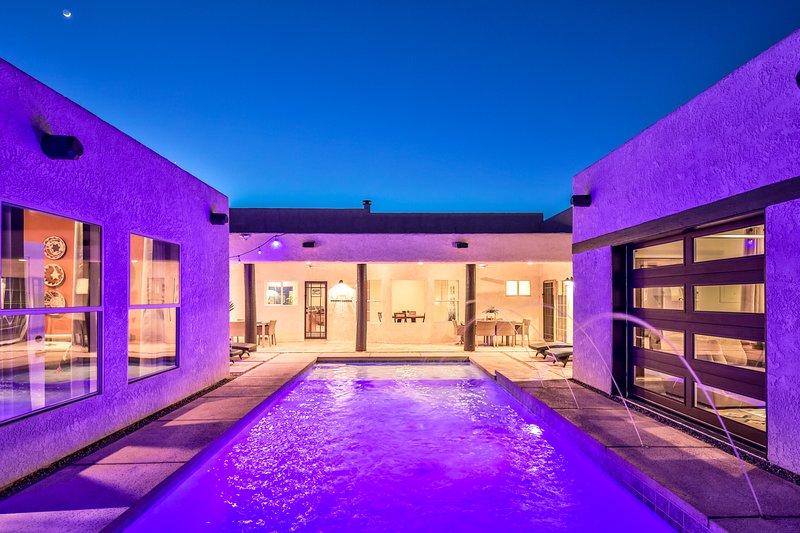 Brand New Pool '18, Set Between 2 Casitas w/ LED Lights, Deck Jets, Baja Shelf