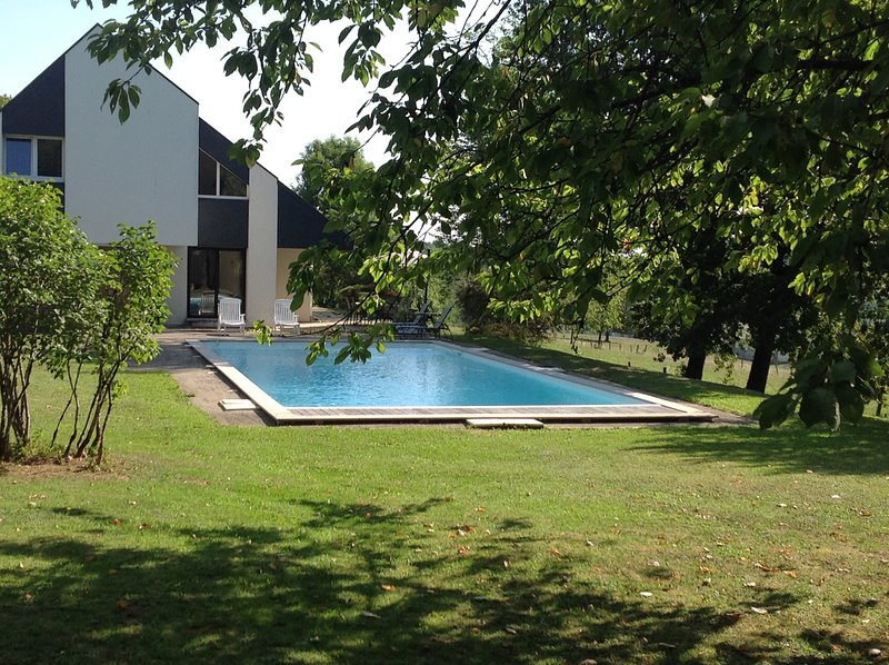 Location Chambre Alsace - Maison avec piscine au pied du Ballon d'Alsace, Ferienwohnung in Danjoutin