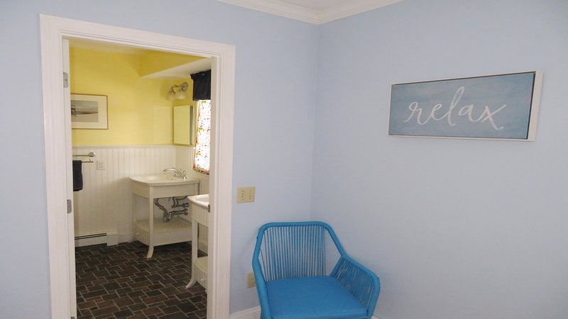 Entry to Ensuite bathroom - 10, rue Pine Harwich Port Cape Cod - Nouvelle-Angleterre Locations de vacances