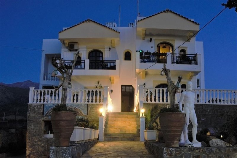 OLYMPUS STUDIOS, holiday rental in Epano Sisi