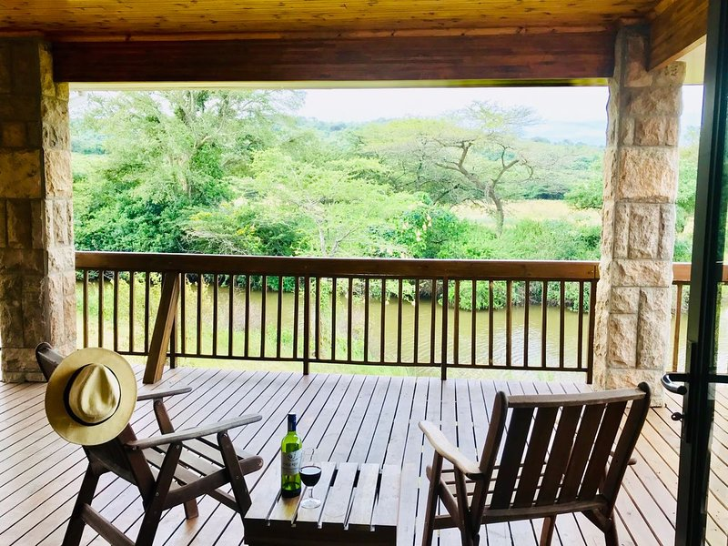 Luxury 4 Bedroom House on Private Game Reserve, casa vacanza a Zululand