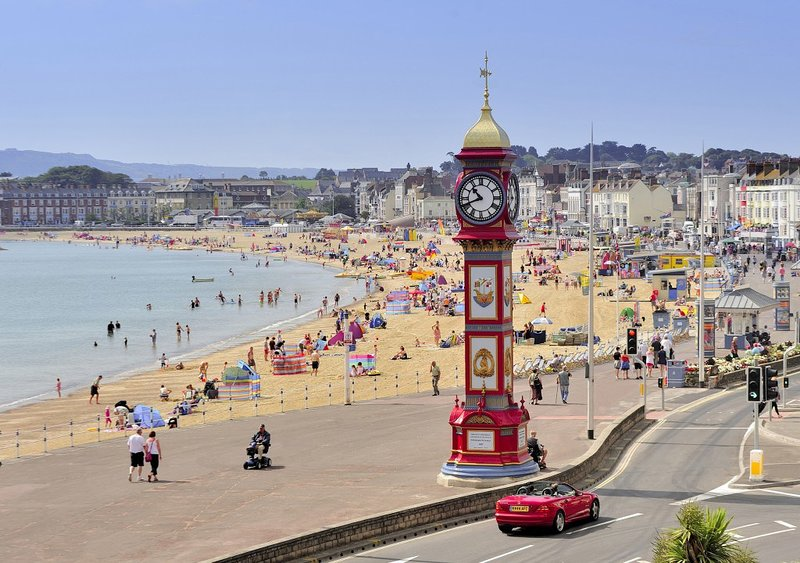 Caravan ~ with decking • Weymouth. No kids or Pets., holiday rental in Weymouth