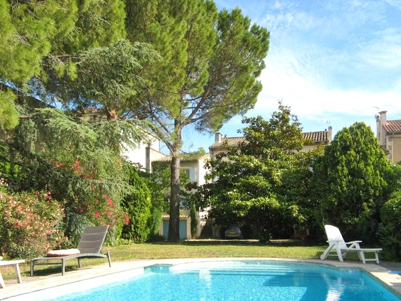Amazing apt with shared pool & Wifi, vacation rental in Saint-Remy-de-Provence