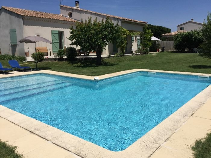 LS1-298 PLANTARELLO, Lovely home rental in the hearth of the village of Mouriès, holiday rental in Mouries