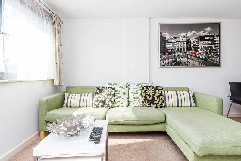 Fantastic 1 Bed Flat Stratford, holiday rental in Stratford City