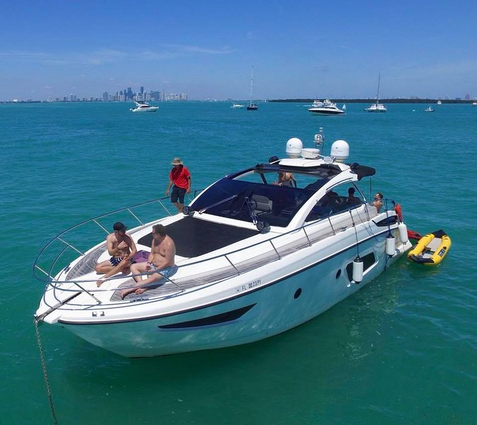44' Atlantis - Yacht Party Rental!, casa vacanza a Key Biscayne