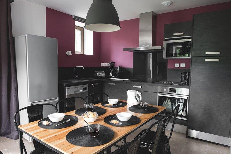 Gite 4 EtoilesT3 67 m² terrasse- parking privée sauna salle- sport wifi-6/8P, location de vacances à Ax-les-Thermes