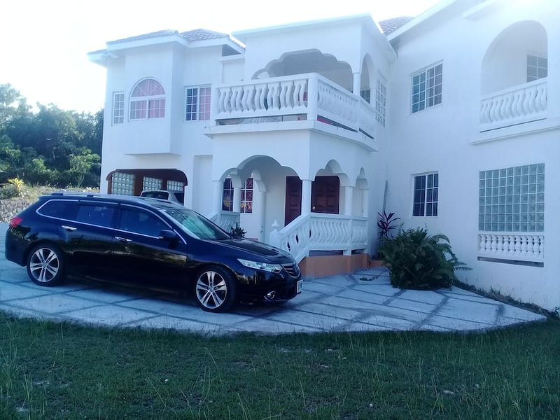Front view of Casa De Montego Bay