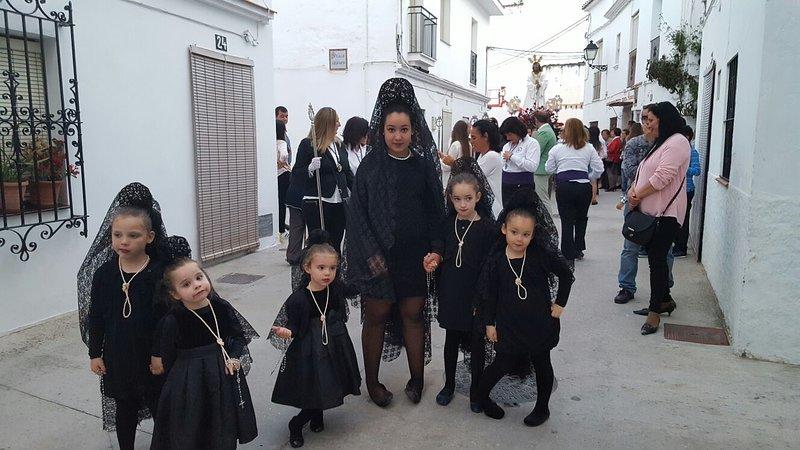 Semana Santa - semana Santa, na Páscoa. Procissões de estátuas religiosas através da cidade Marbella.