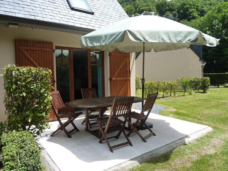 Appartement T3 Duplex jardin 2/5 pers Luz st Sauveur, vacation rental in Luz-Saint-Sauveur