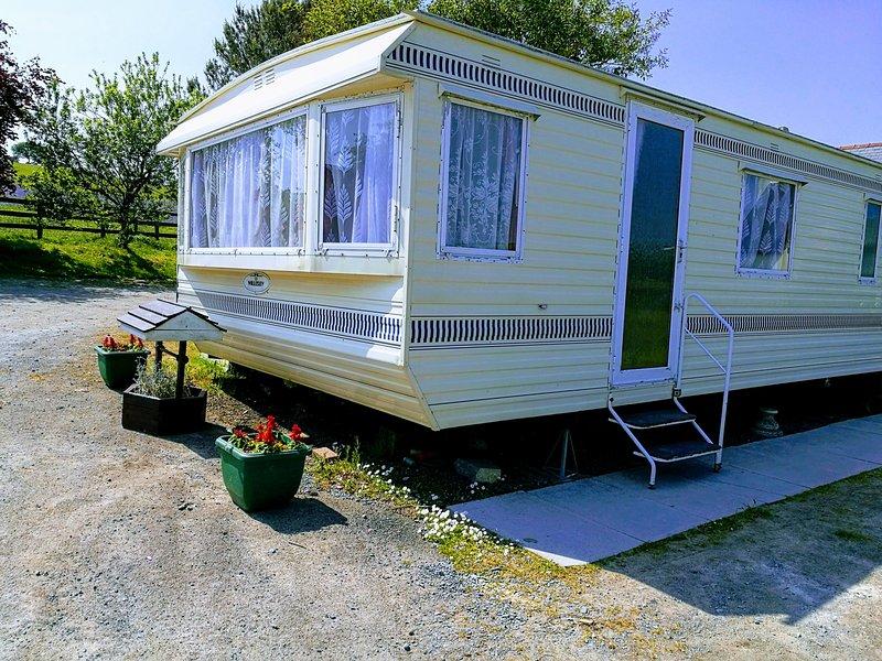 Caravan qui accueille tous vos besoins de vacances. A proximité de Pendine Sandy Beach, et les attractions locales