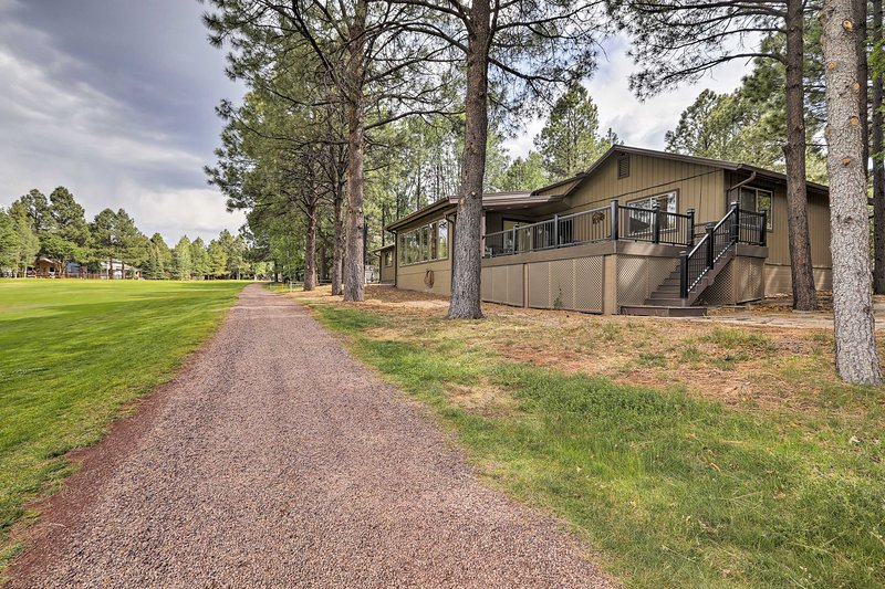 Don't hesitate - book this Pinetop vacation home today!