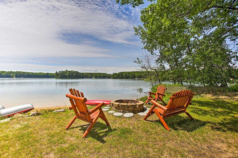 Escape dina prestera och få kontakt med naturen på denna lakefront semesterboende!