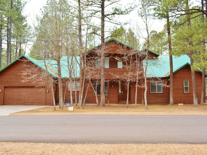 Welcome to our gorgeous cabin nestled in the ponderosa pines! Over 3400 sq. ft. of space