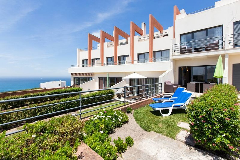 Bedroom house with pool and s, location de vacances à Lourinha