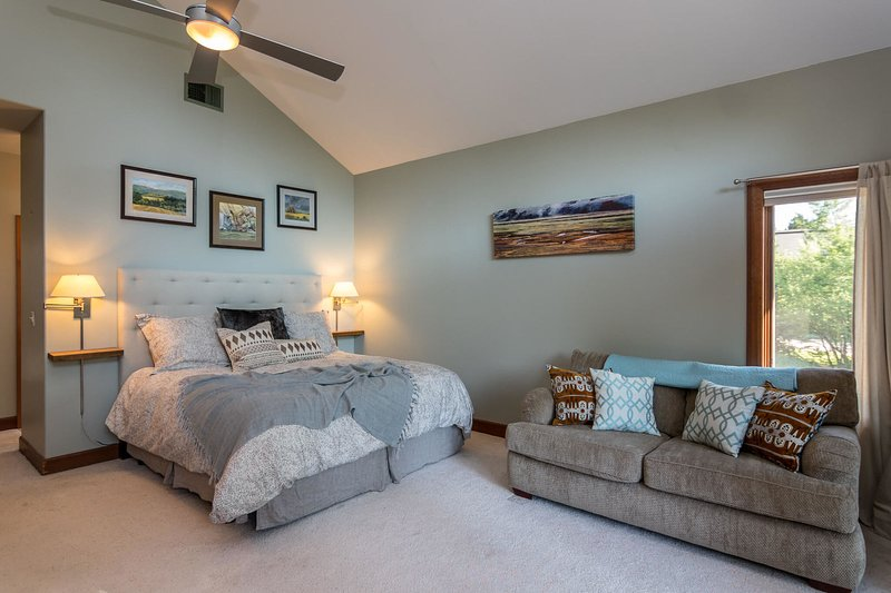 Main level Master suite with King