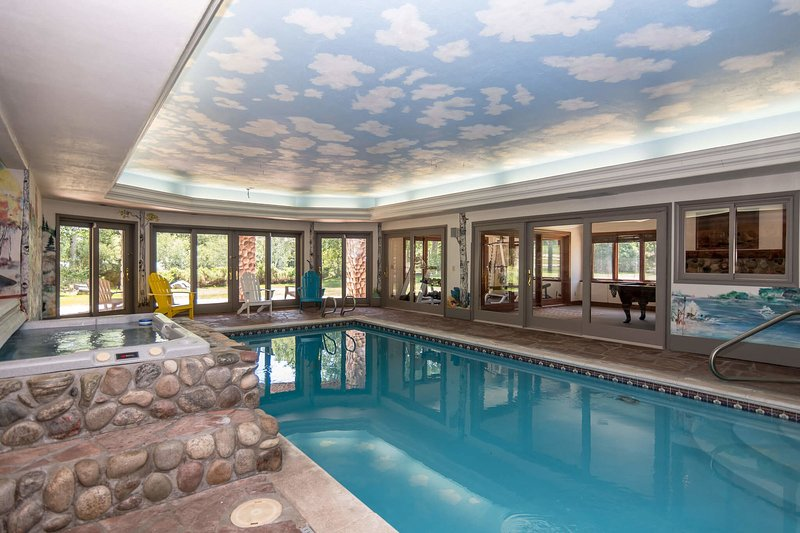 Start your day off right with a few laps in the 40' private pool