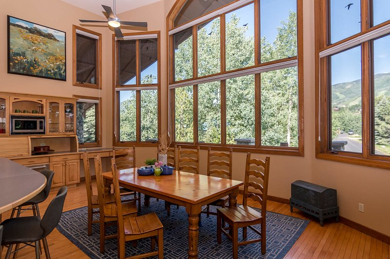 Exceptional dining room views with seating for eight