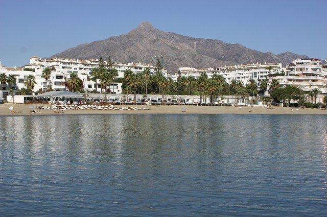 vista aspecto levado dos nossos apartamentos em frente à praia do mar.