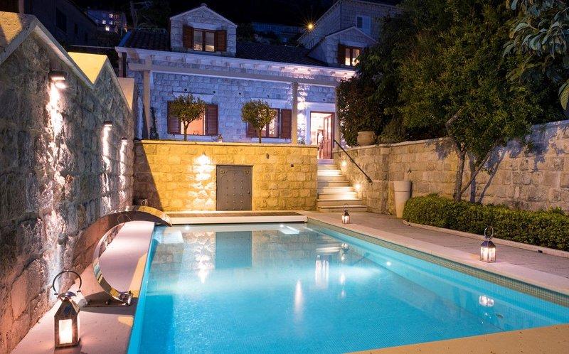 Villa Vita Dubrovnik – Historic pool villa near Dubrovnik Old Town, vacation rental in Dubrovnik