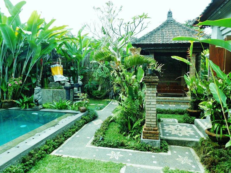 Venez découvrir la vie dans un village traditionnel balinais.
