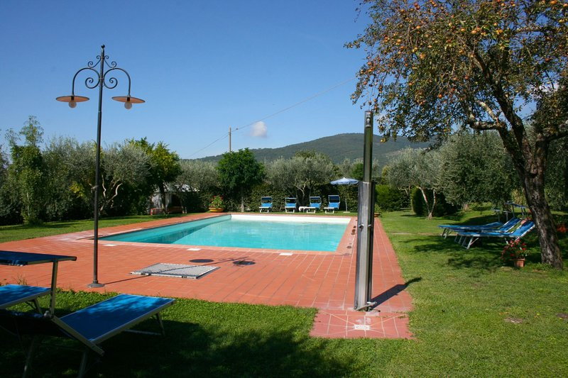 Scanizza Apartment Sleeps 4 with Pool - 5490373, holiday rental in Tuoro sul Trasimeno