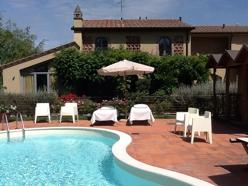 La Mandolata ti apre le sue porte per accoglierti e offrirti la vera ospitalità all'italiana.