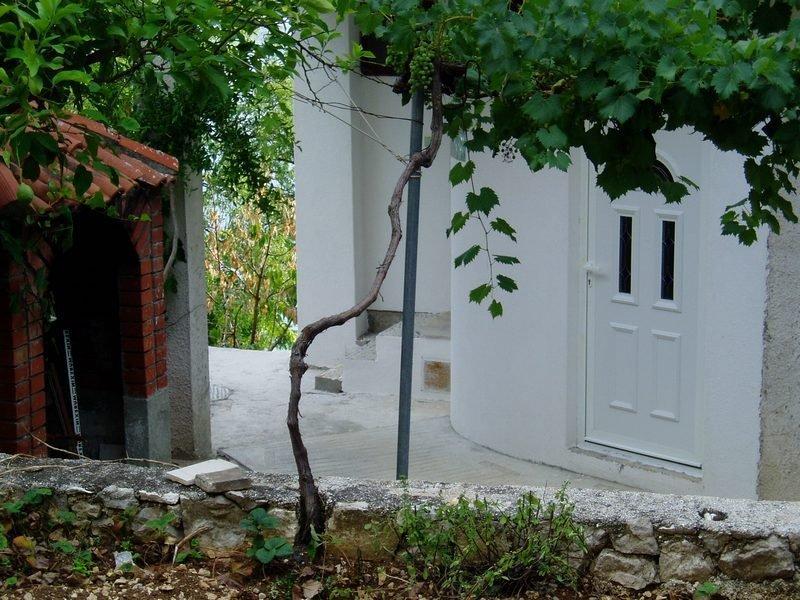 Villa Maestral - Apartment 1, location de vacances à Zivogosce