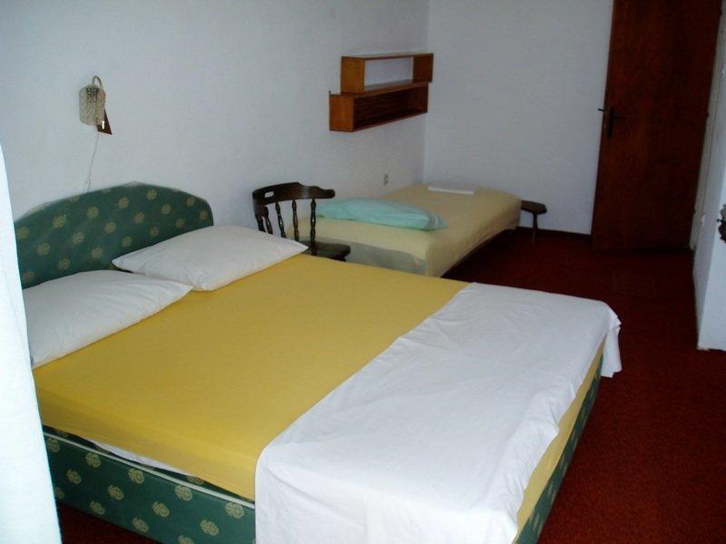 Villa Maestral - Apartment 3, aluguéis de temporada em Zivogosce