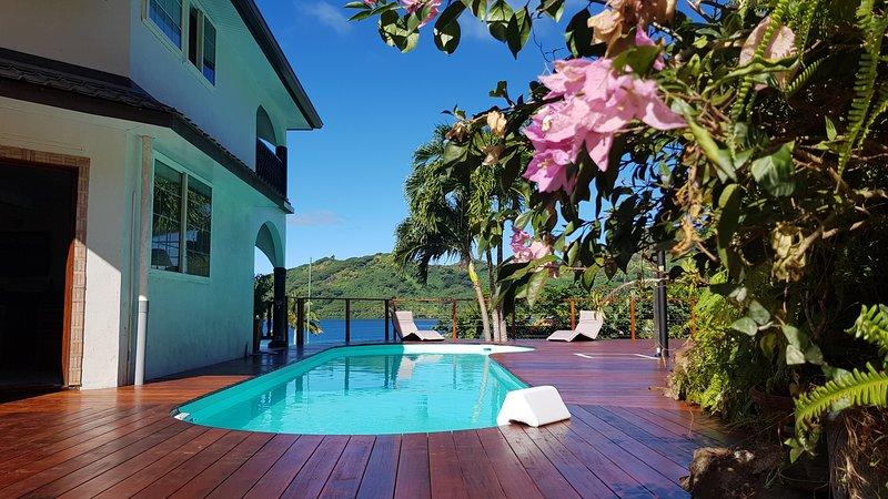 VILLA MAROE (étage entier avec piscine), holiday rental in Parea