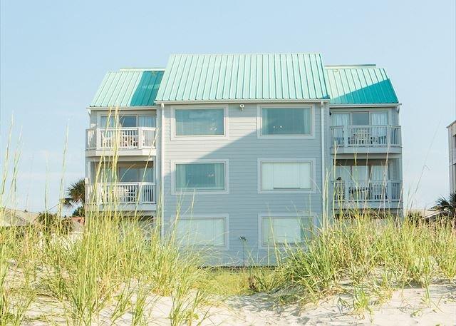 spacious oceanfront condo b1 with 4 bedrooms 3 baths with pool rh tripadvisor com