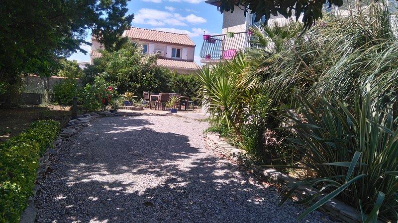 Nice apartment with garden & Wifi, alquiler vacacional en Lansargues