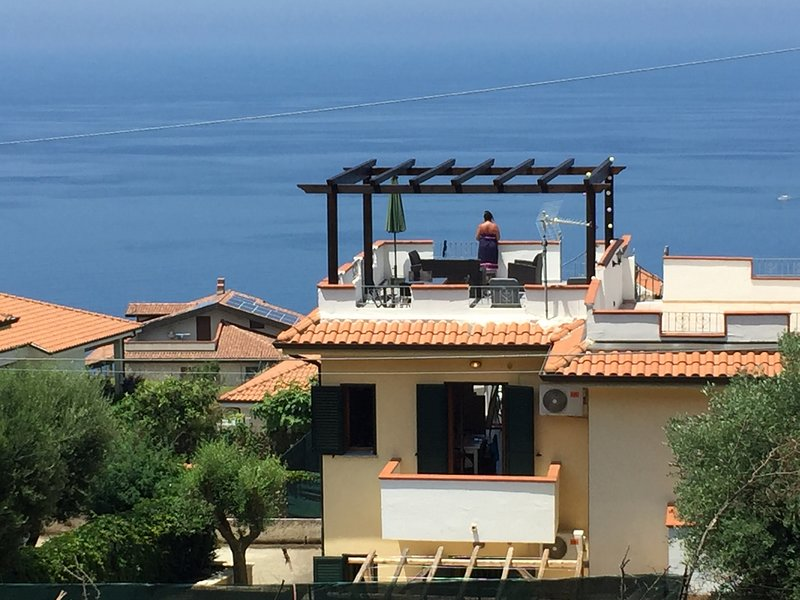 House/Villa with panoramic seaview, close to Tropea, Zambrone hills, holiday rental in Filandari